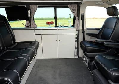 Wir rüsten Ihren Multivan oder California Beach zu einem Camper auf